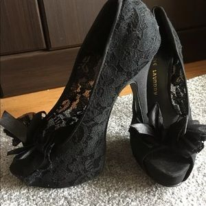 chinese Laundry Womens Lace Pumps  Open Toe Size 8